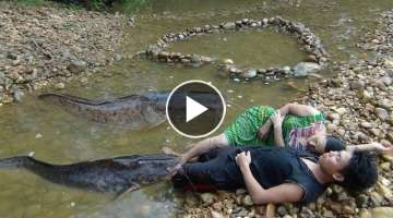 Survival skills - Build Primitive Fish Trap From Stone