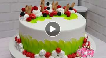 Cake Decorating for Beginners, Decorating Ideas For Beginners with whipped cream